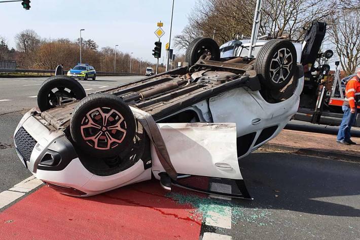 An dem Fahrzeug entstand in Edewecht Totalschaden