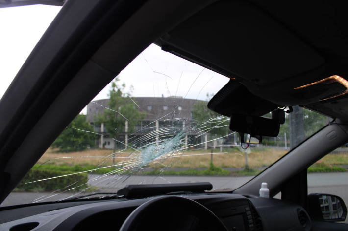 29-Jähriger wirft Stein auf Streifenwagen in Gütersloh