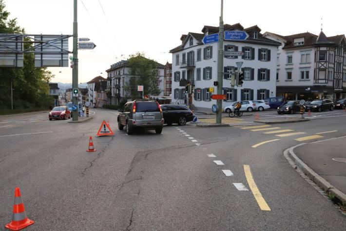 Bei einer Kollision in der Stadt St. Gallen ist erheblicher Sachschaden entstanden.