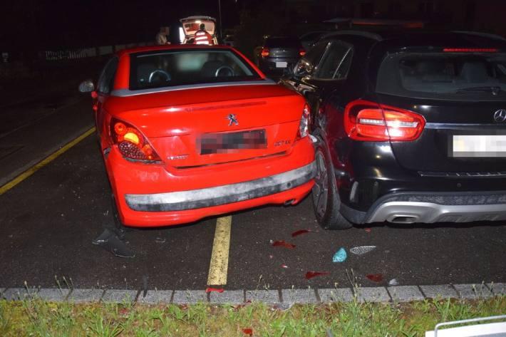 In Niederbuchsiten SO kam es gestern zu einer Kollision. Der Unfallverursacher fuhr davon.