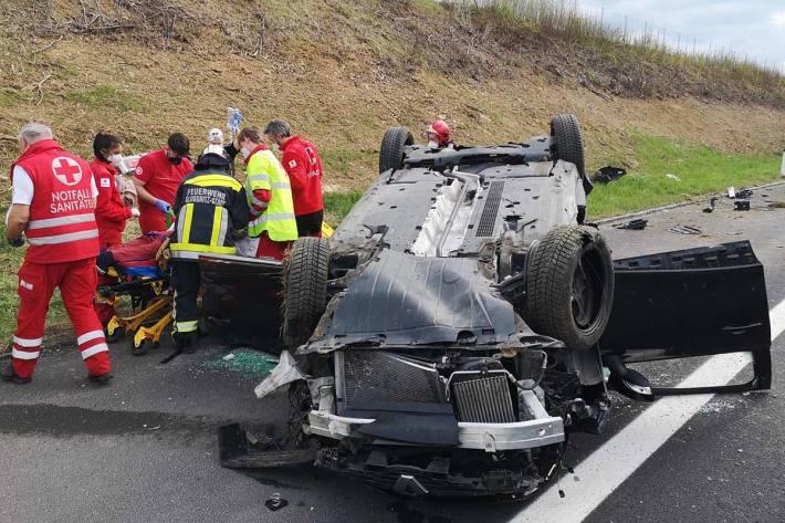 Ein Unfall forderte in Seebenstein zwei zum teil schwerverletzte Personen