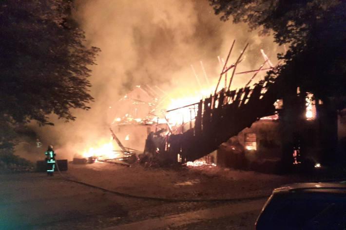 Großbrand in Sottrum/Kälberstall komplett zerstört