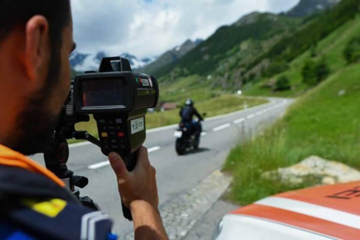 Neues Geschwindigkeitsmessgerät «LaserCam4» bei der Kantonspolizei Uri im Einsatz