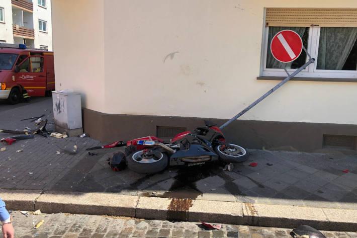 Motorradfahrer bei Unfall mit PKW schwer verletzt in Worms