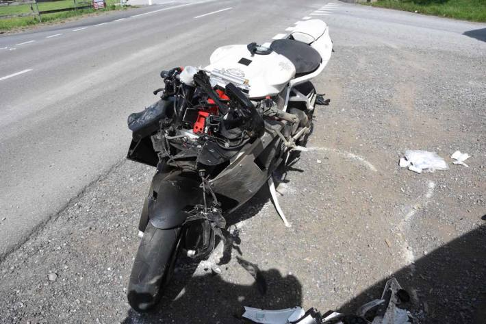 Der 40-jährige Motorradfahrer und seine 33-jährige Mitfahrerin wurden in Kriessern verletzt