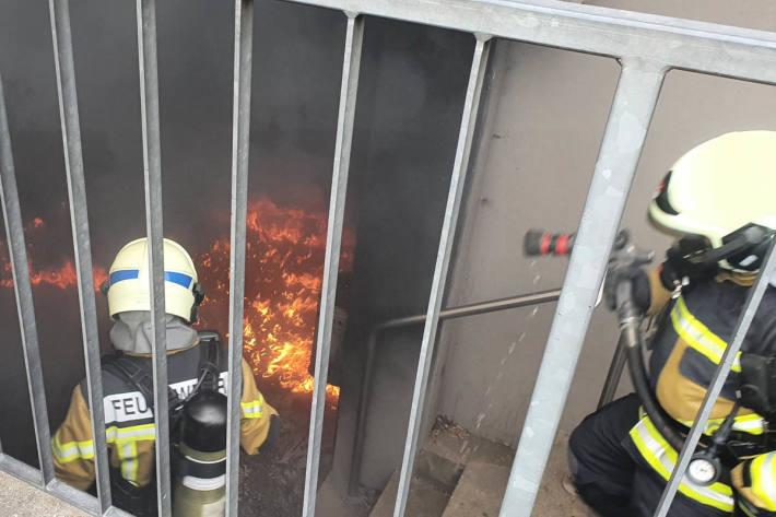 Brand bei Sporthalle «Bleichematt» in Biberist
