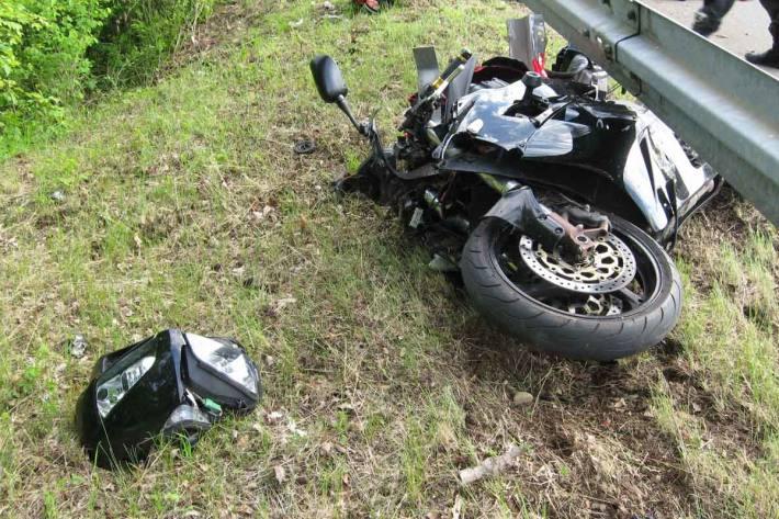 Verkehrsunfall mit einem tödlich verletzten Motorradfahrer in Elze
