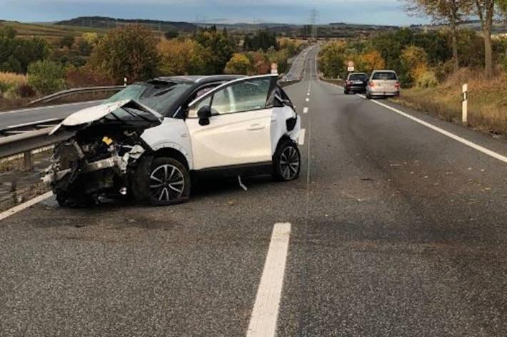 Verkehrsunfall mit überschlagenem PKW