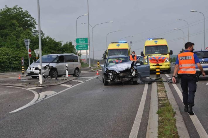 Heftiger Crash heute bei der Autobahneinfahrt Kriegstetten SO.
