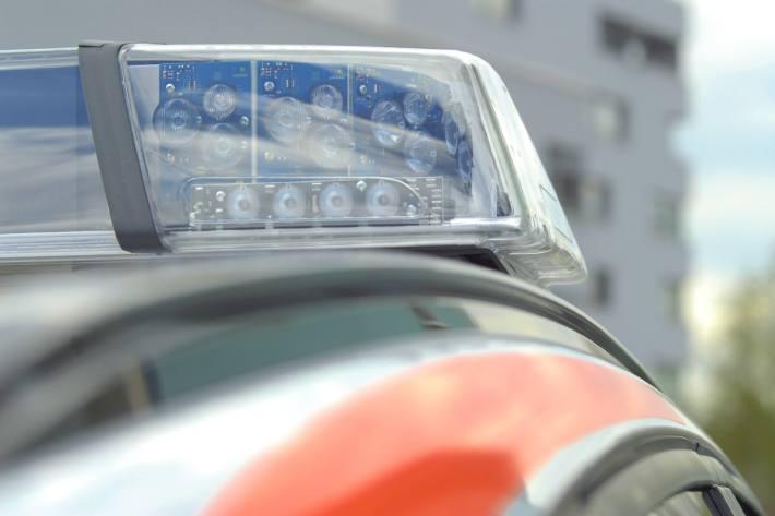 Die Kantonspolizei Bern hat für Donnerstagabend und Freitag wieder ein grosses Personalaufgebot bereitgestellt. (Symbolbild)
