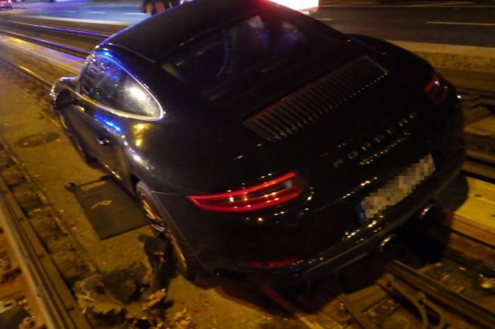 Der gestohlene Porsche konnte wieder seinem rechtmässigen Besitzer übergeben werden.