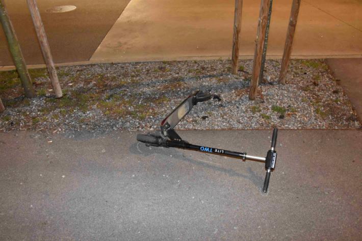 58-jähriger Mann mit seinem E-Scooter gestürzt in Oberuzwil