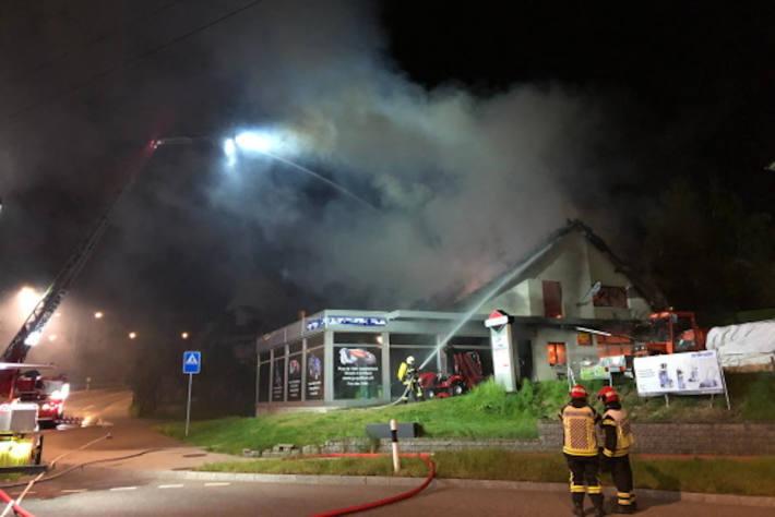 Betrieb geht in Flammen auf Givisiez
