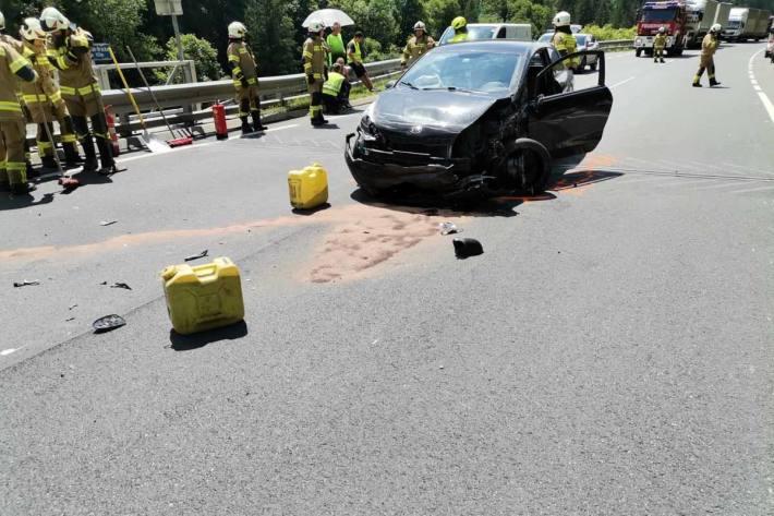 2 PKW`s  waren in einen Unfall mit 5 Verletzten Personen beteiligt