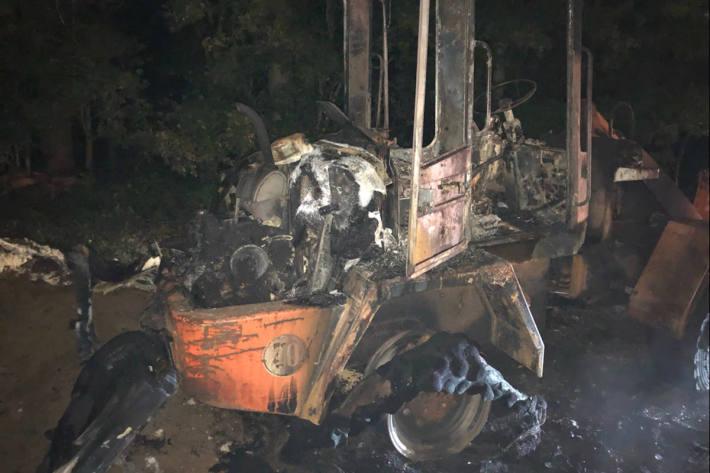 Radlader brannte aus in Langenfeld
