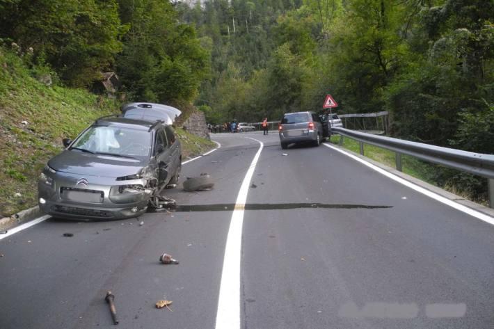 Drei Personen verletzten sich beim Unfall gestern bei Schwyz.