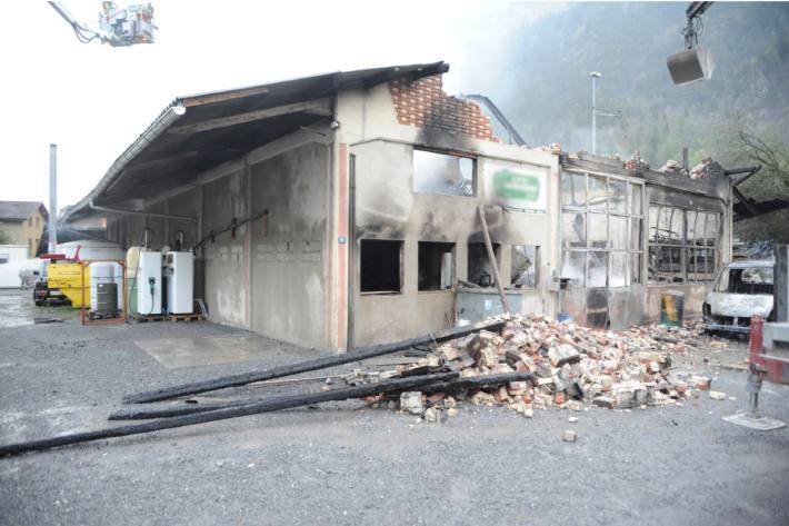 Die Halle wurde zerstört.