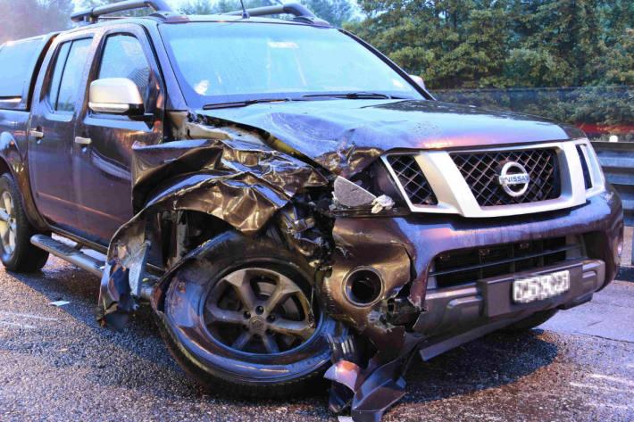 Das Auto wurde massiv zerstört.