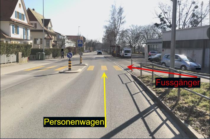 4-jähriger Knabe läuft in Schaffhausen in fahrendes Auto