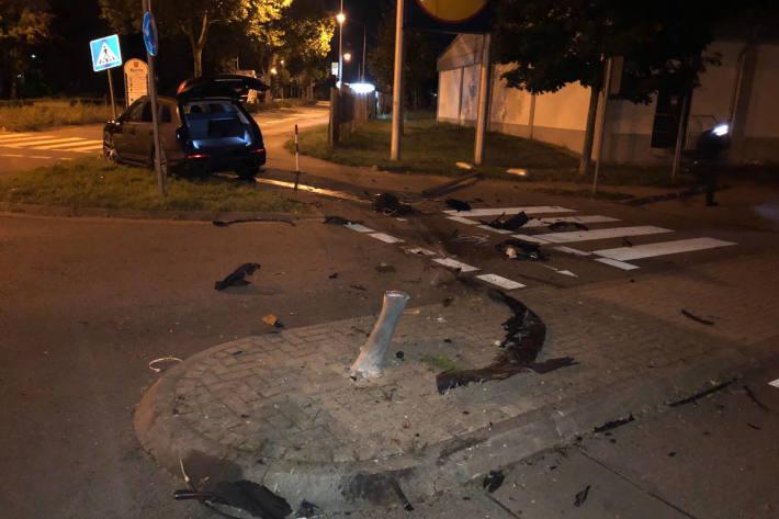 Verkehrsunfall aufgrund überhöhter Geschwindigkeit in Worms