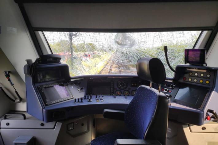 Regionalbahn kollidiert mit Traktor bei Wallertheim