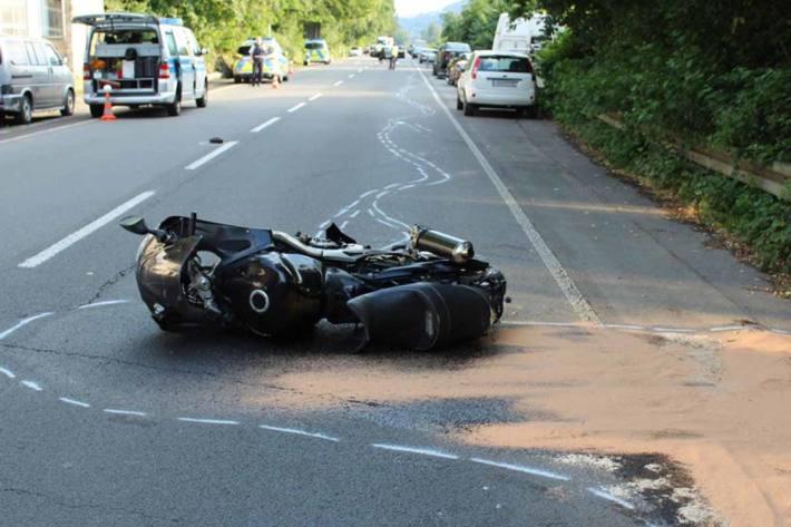 Ein Motorradfahrer wurde in Witten schwer verletzt