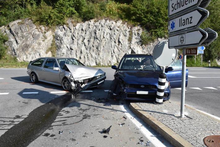 Unfallstelle auf der Oberalpstrasse bei Schluein