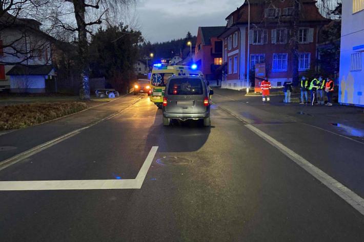 Fussgängerin durch Auto in Reinach erfasst worden