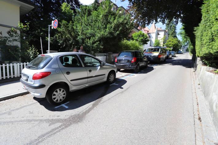 Abgelenkt in parkiertes Fahrzeug gekracht in St.Gallen