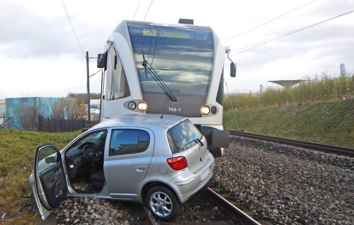 Die Autofahrerin blieb beim Unfall unverletzt.