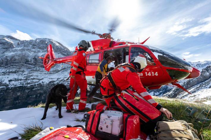 Rega rettet Wanderin im Alpstein aus Lawine
