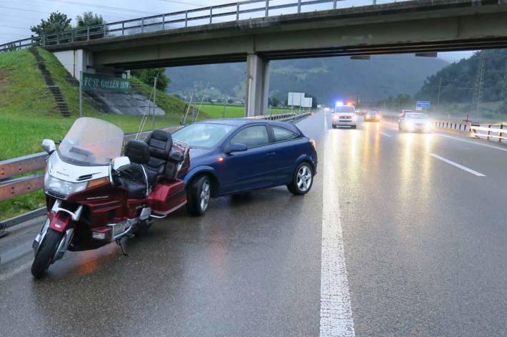 Unfall auf der Autobahn bei Mollis GL