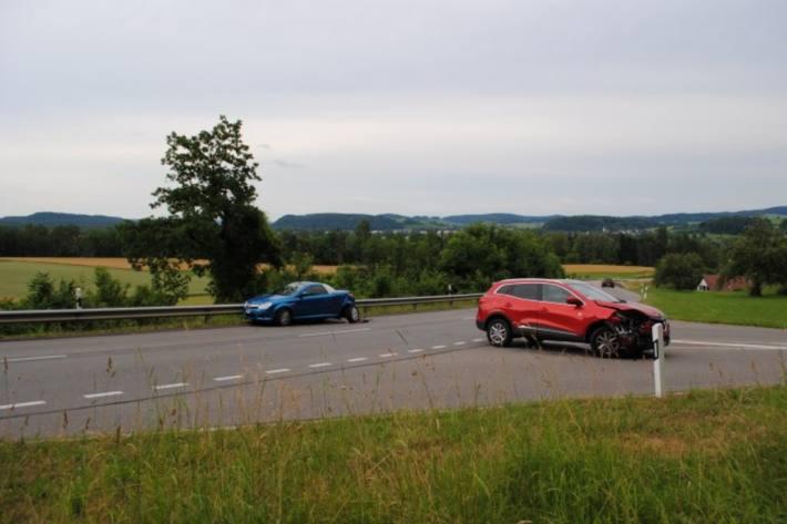 In Rüdlingen SH kam es gestern zu einem heftigen Unfall.