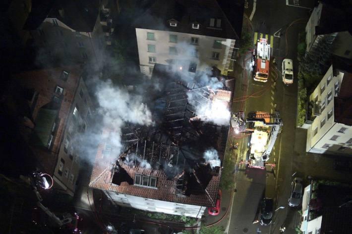 Eine Person ist diese Nacht in den Flammen gestorben.