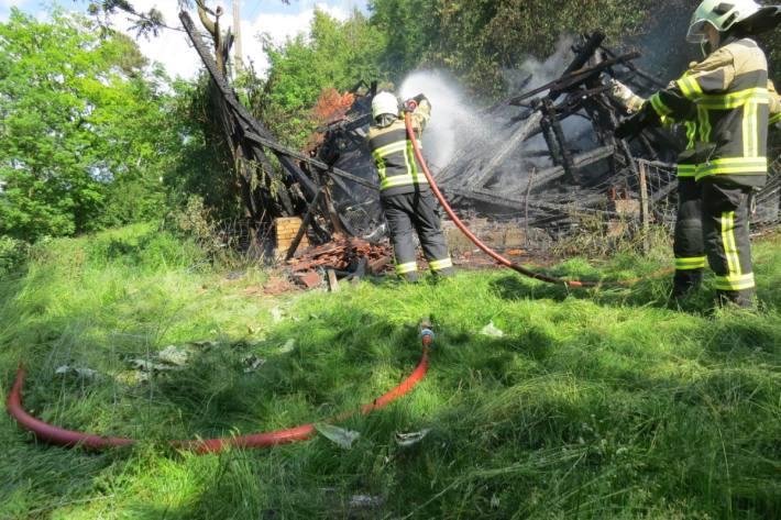 In Rekingen brannte ein Schopf komplett aus.