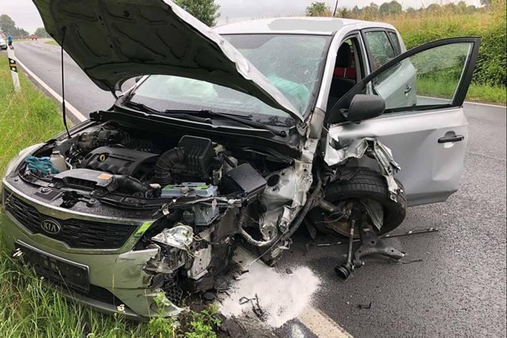 Verkehrsunfall im Begegnungsverkehr in Boich