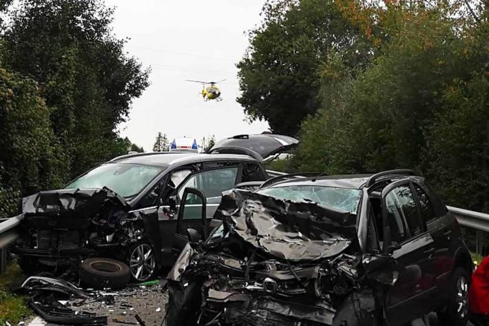 Mann bei Frontalzusammenstoß im Bezirk Grieskirchen getötet