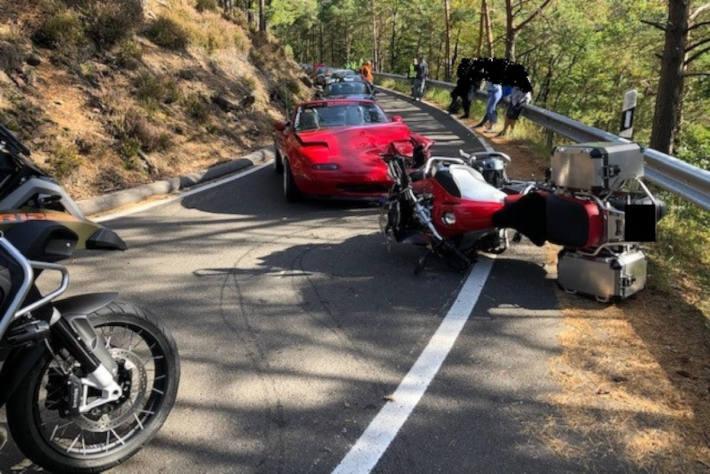 Schwerer Motorradunfall auf der Totenkopfstraße