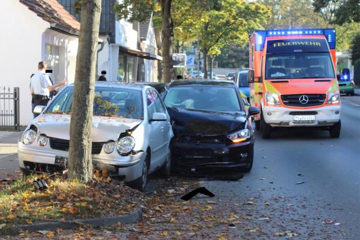 Auffahrunfall auf der Eidinghausener Straße in Bad Oeynhausen fordert schwer verletzte Person