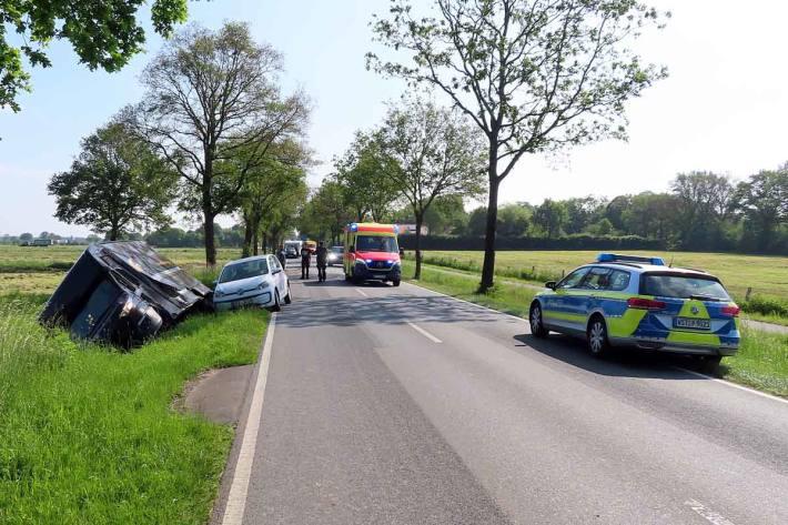 An den beteiligten Fahrzeugen entstanden in  Rastede Schäden von geschätzten 25.000 Euro