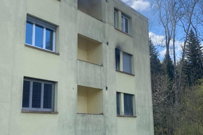 Nach dem Brand von gestern in Rombach AG ist die Wohnung nicht mehr bewohnbar.