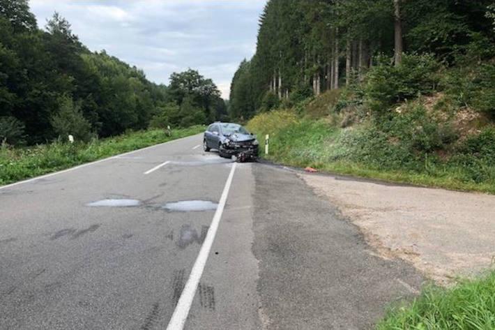 Motorradfahrer bei Unfall in Vorderweidenthal tödlich verletzt