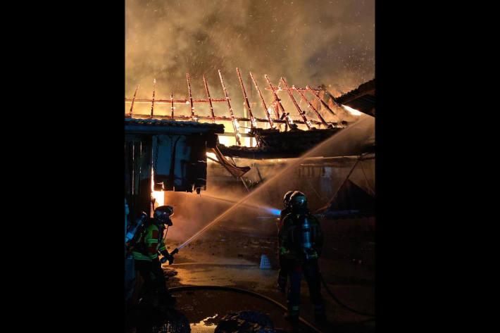 Schopf bei Brand in Bolligen zerstört – Bauernhaus unbewohnbar