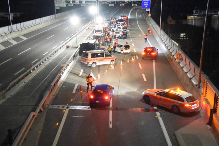 Verkehrspolizeiliche Kontrolle in Schmerikon