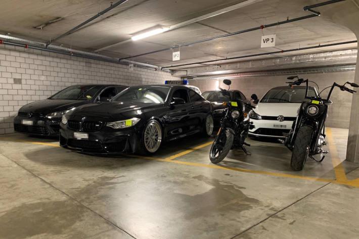Einige der sichergestellten Fahrzeuge aus Zürich
