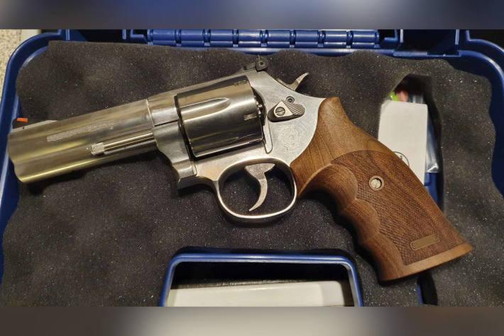 Bei der 85-jährigen Frau sichergestellter Revolver
