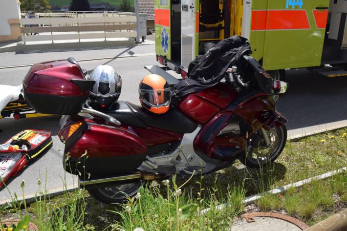 Auffahrkollision von zwei Motorrädern bei Urnäsch