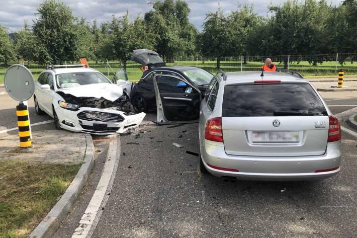 Unfall zwischen drei Autos in Mörschwil