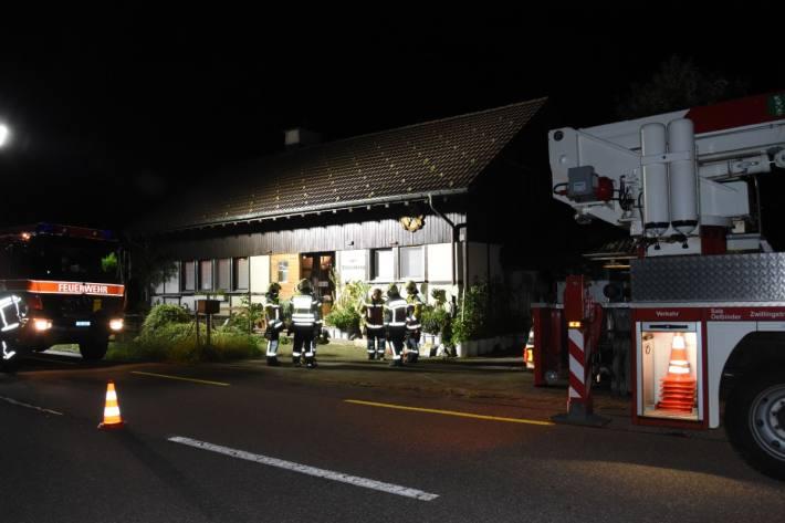 Zwei Personen verletzten sich letzte Nacht bei einem Boilerbrand in Brunnadern SG.
