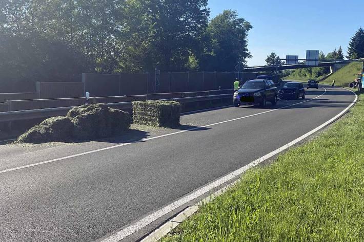 Der Fahrer des kollidierenden Autos wurde bei dieser Kollision verletzt
